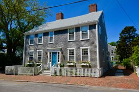 33 Fair Street, Nantucket, MA, USA|Town | sale