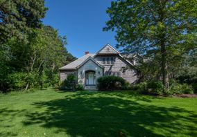 33 Brewster Road, Nantucket, MA, USA|Monomoy | sale