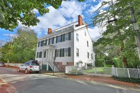 28 India Street, Nantucket, MA, USA|Town | sale