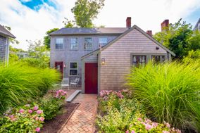 8 Walnut Lane, Nantucket, MA, USA|Town | sale