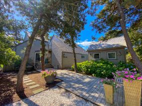 27 Pequot Street, Nantucket, MA, USA|Surfside | sale