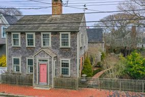 16 Pleasant Street, Nantucket, MA, USA|Town | sale