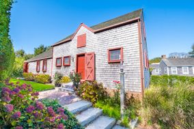 31 York Street, Nantucket, MA, USA|Town | sale