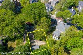 2 Candle House Lane, Nantucket, MA 02554 Town   sold