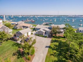 22 Easton Street|Brant Point | rent